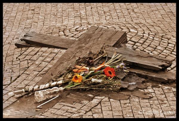 On the streets og Prague - The cross