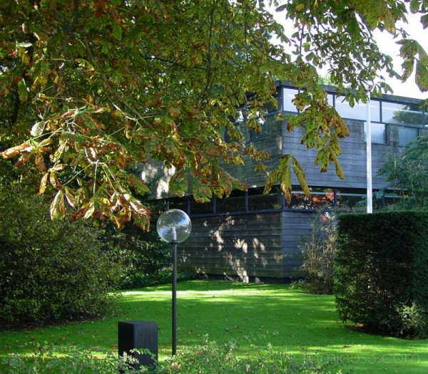 Villa Garden Entrance