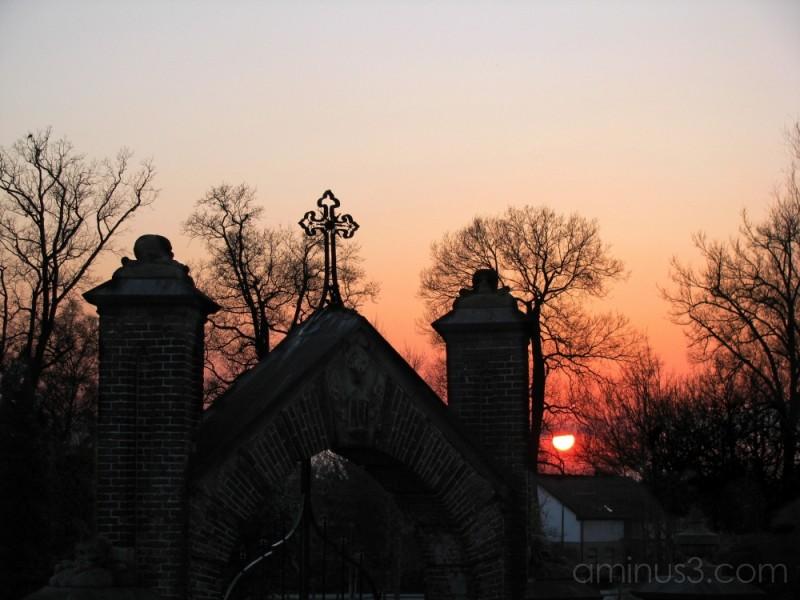 Ravenstein Cemetery Entrance