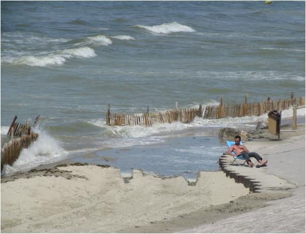 Harlot-la-Plage, France, Rising Tide