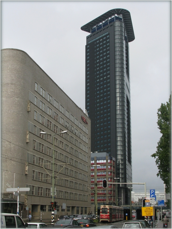 Flat-tower and office building in The Hague