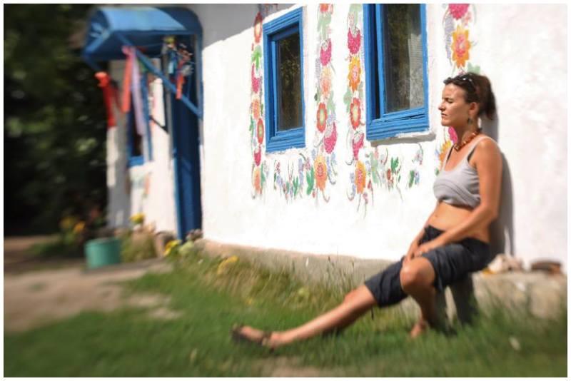 Petrykivka Ukraine mooraha art