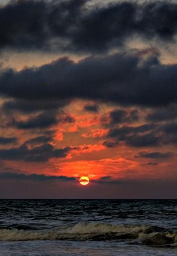 Sunset At Pantai Meragang