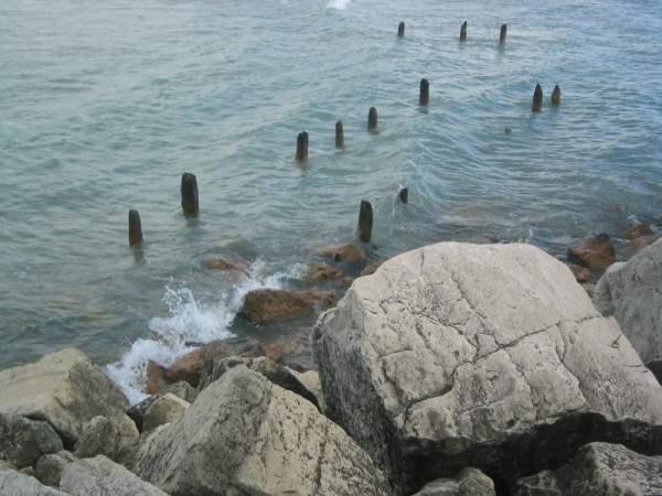 a lost Great Lake Pier