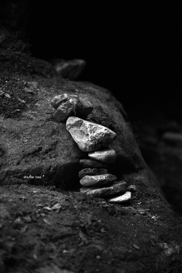 Une pierre après l'autre