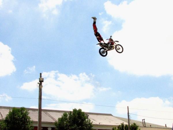 Stunt Show 2/5
