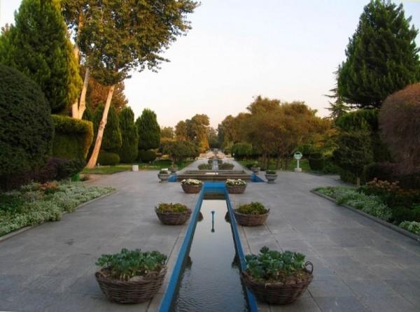 Persian garden (Isfahan)