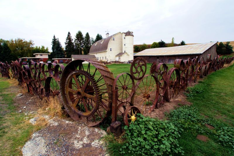 Artisans at the Dahmen Barn