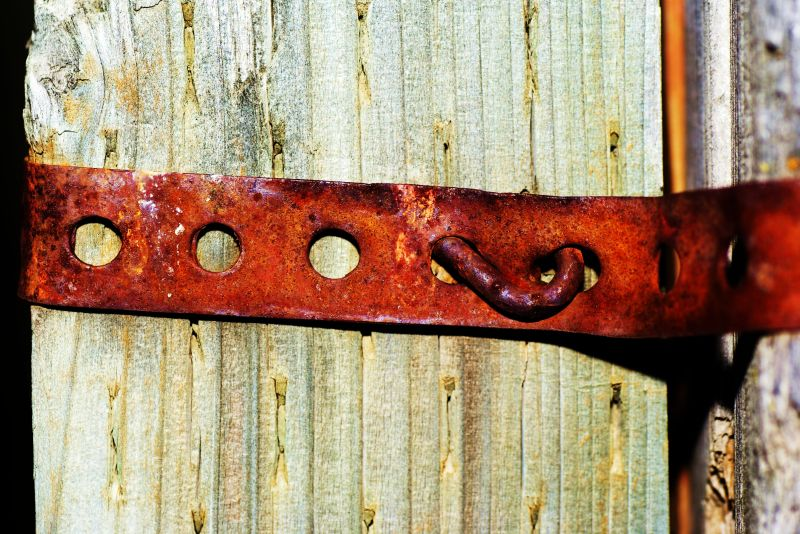 rusted strap