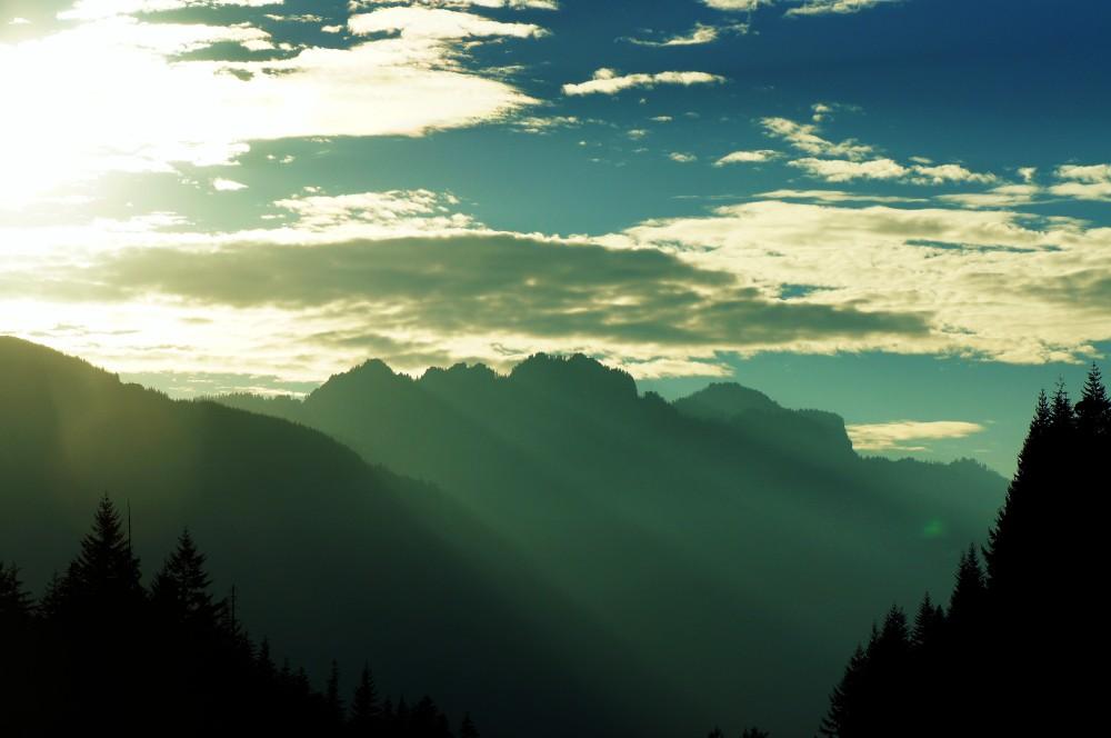 mountain rays