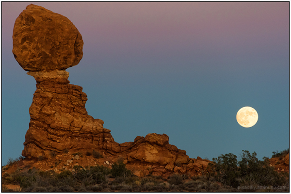Supermoon at Balanced Rock