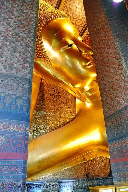 Reclining Budha, Wat Pho, Bangkok, Thailand
