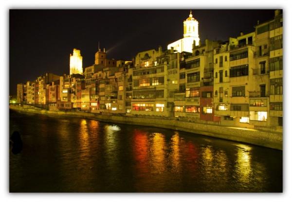 Girona by night