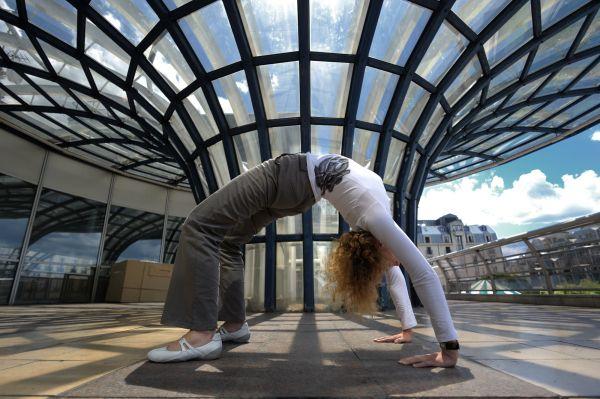 Leonie, Yoga, upward Bow Pose, Chatelet, Paris