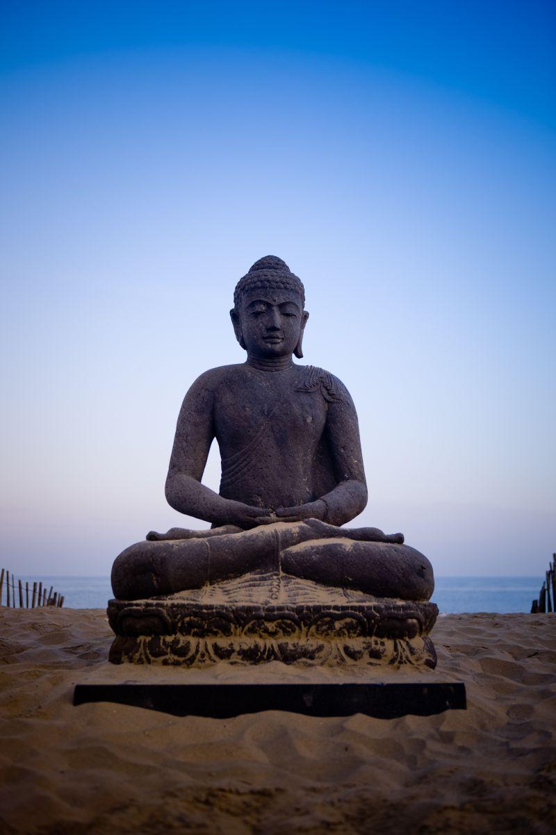 buddha, rapa nui, Blomendaal-en-zee,