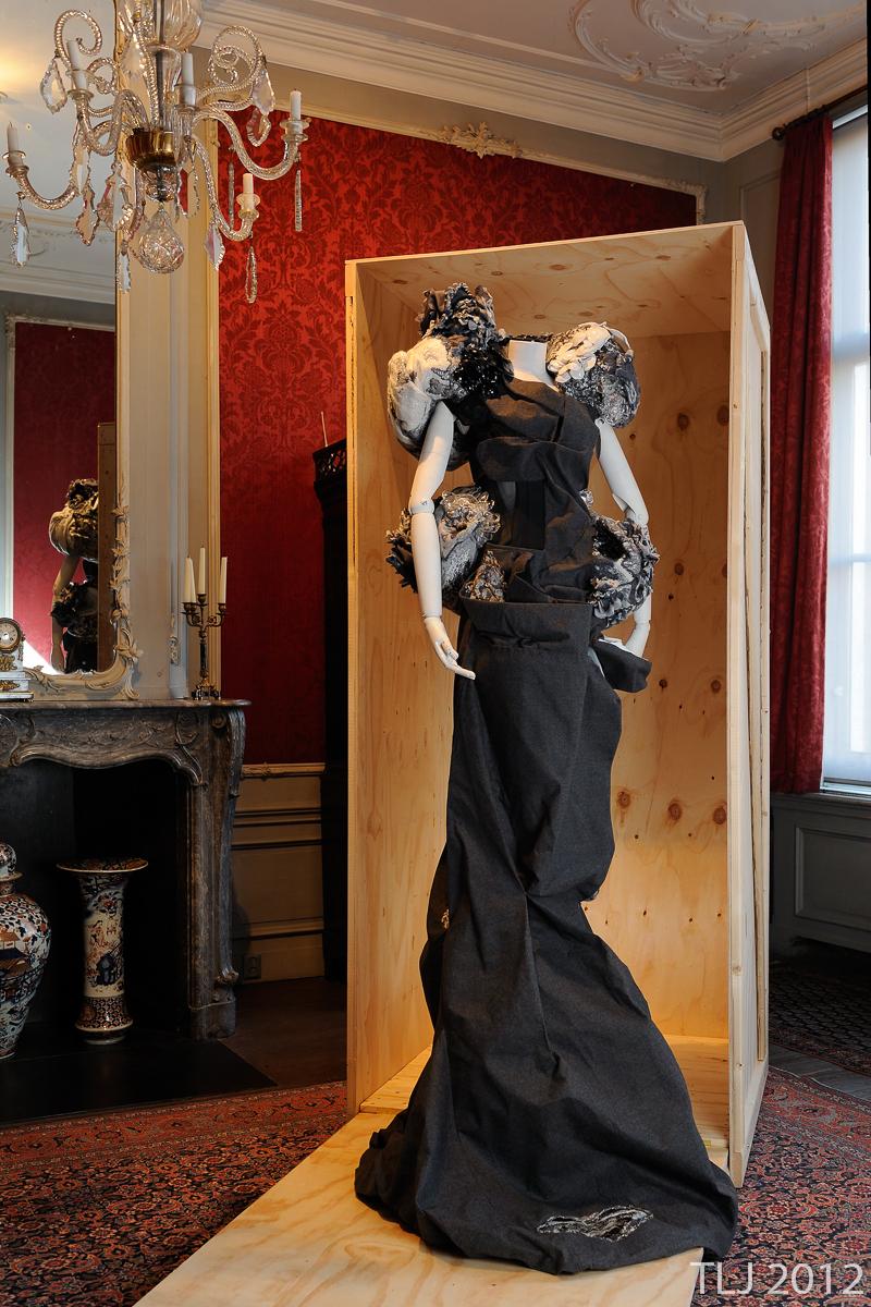 Les Canaux de la Mode - Sculptural Dress