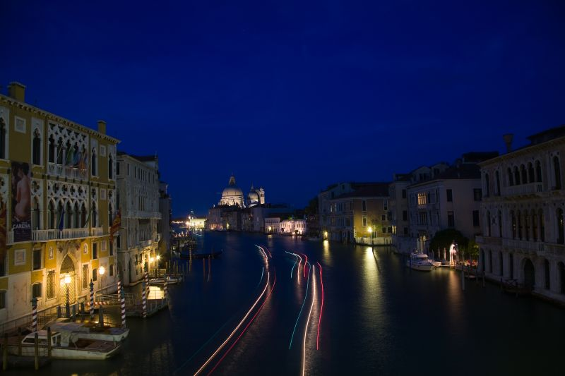 the grand canal (night)