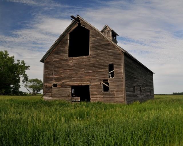 Old barn near Kindred, ND