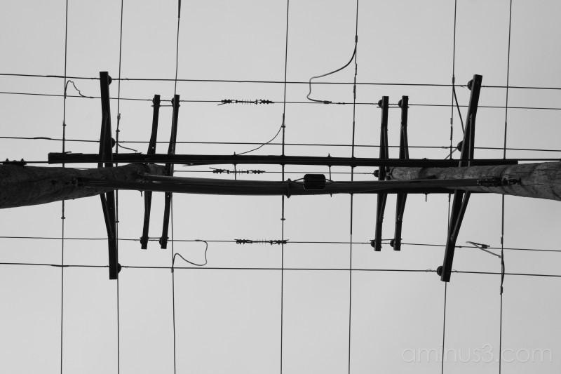 Powerlines 2/4