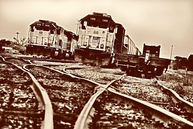Southern Pacific engines at Taylor train yard