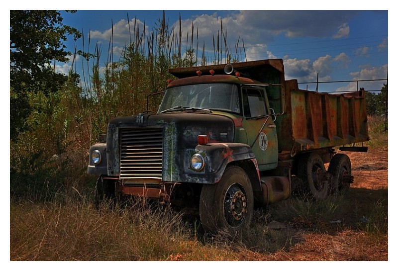 Dumped truck image 3
