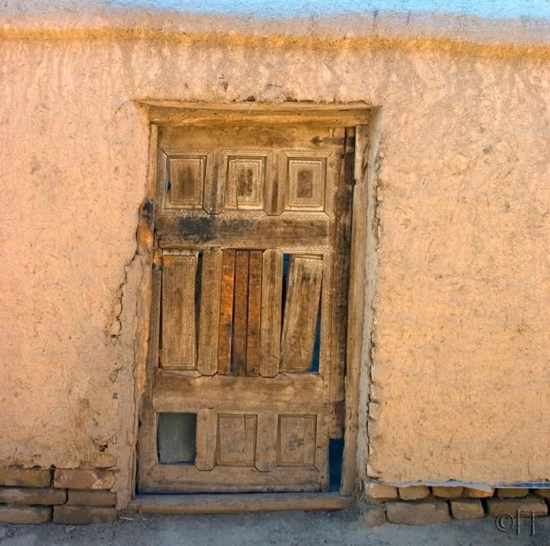 Uzbekistan. Khiva. Door.