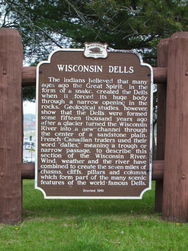 Wisconsin Dells Historic Sign