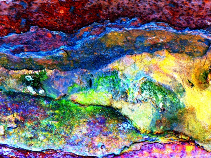 rusty metal with equalised histogram