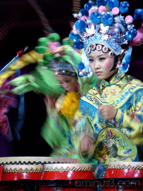 Chinese drummers in tradtional costume