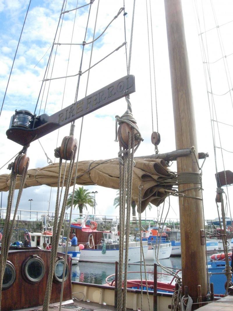 barco restaurado desde el esqueleto de las cuadern