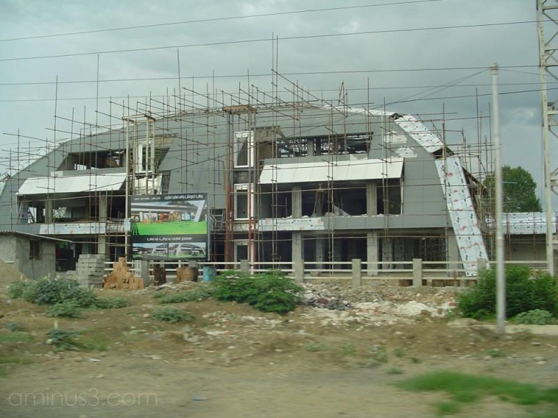 in sari-darya road
