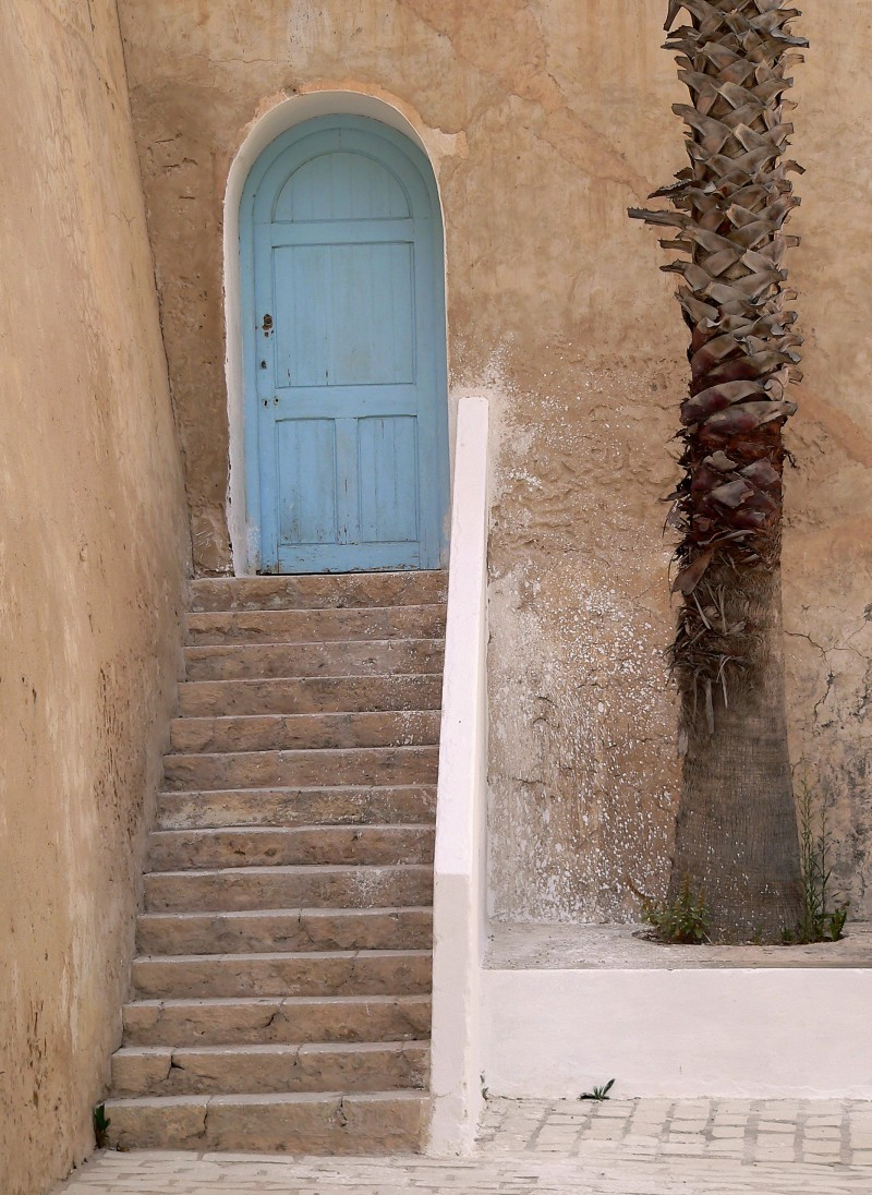 Tunisian door
