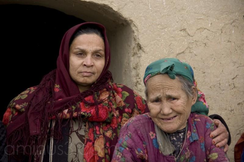 a fieldworker with an elderly widow