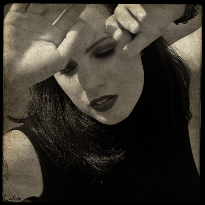 portrait, vintage-processing, hands, lipps, pain