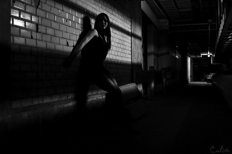 b/w, hide, light, shadow, tunnel, film noir