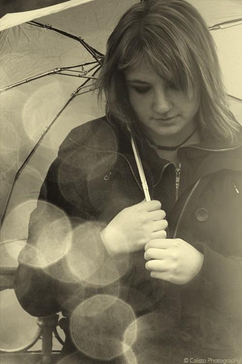 portrait, b/w, rain, sparkles