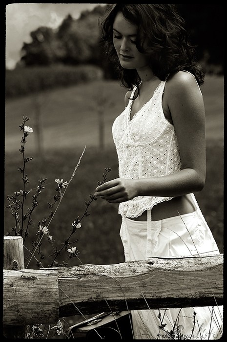 garden, hope, country, romantic, female, outdoor