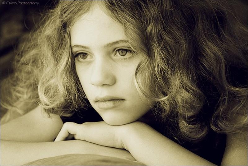 samira, girl, portrait, indoor, curls