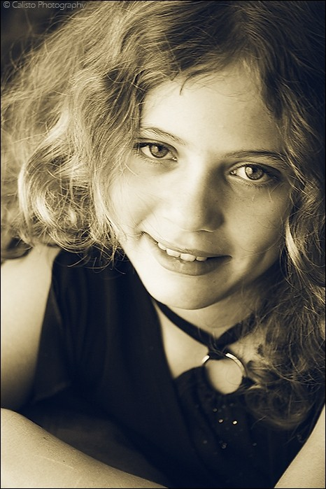 child, girl, portrait, samira, eyes, smile, curls