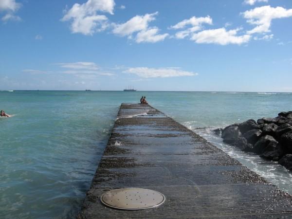 [sidewalk in the ocean]