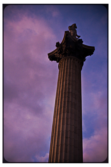 Sunset monument london picadilly