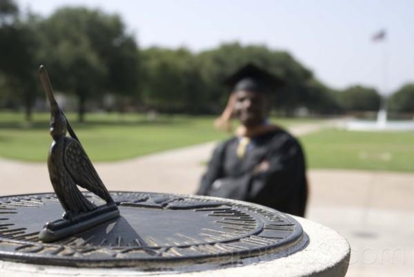 Sundial, Graduate & Flag