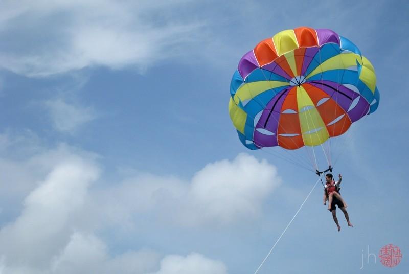 parasailing
