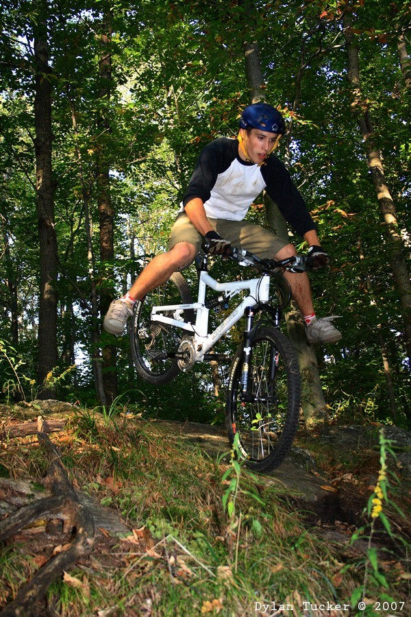 no footed nose manual mountain bike