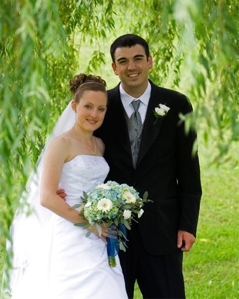 Bride and Groom under willow tree