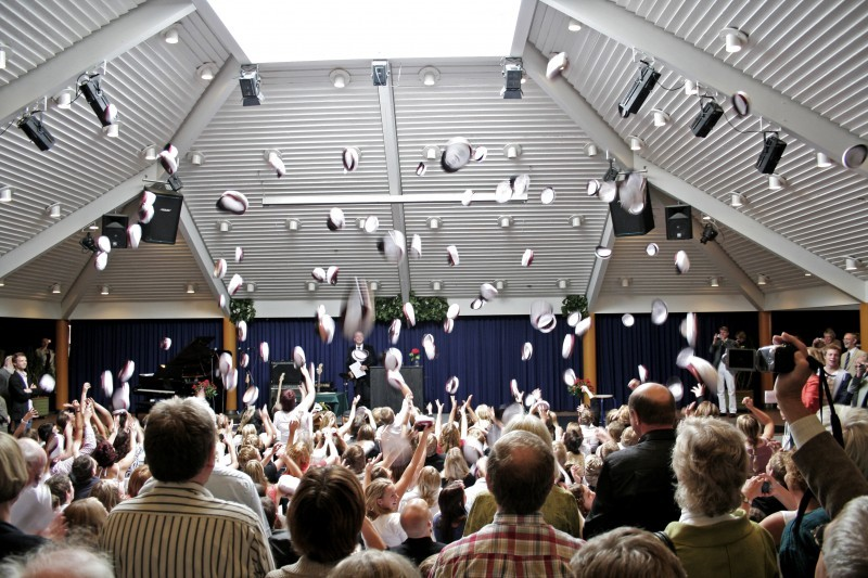 student, odder gymnasium, hats, throw