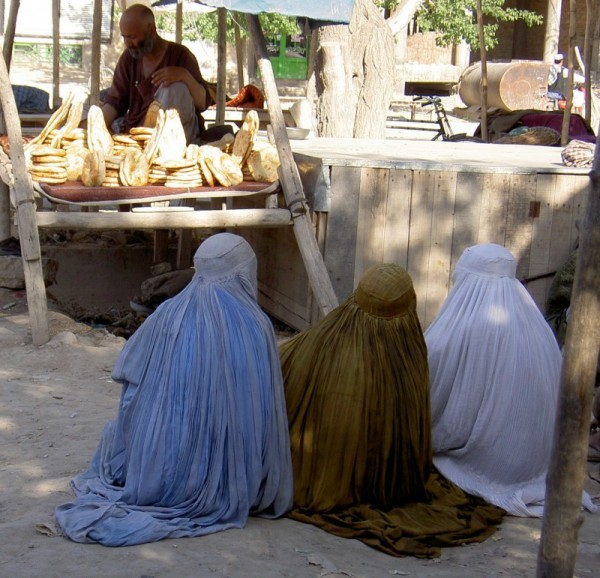 three women coloured burqas delicious nAn