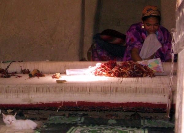 turkmen carpet weaver