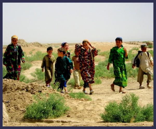 NW Af Turkmen children