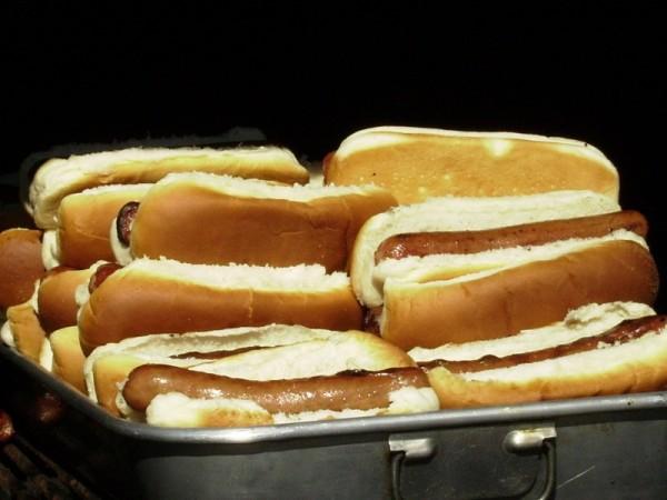 hotdog platter